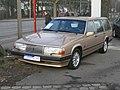 Volvo 940 (14384478506).jpg