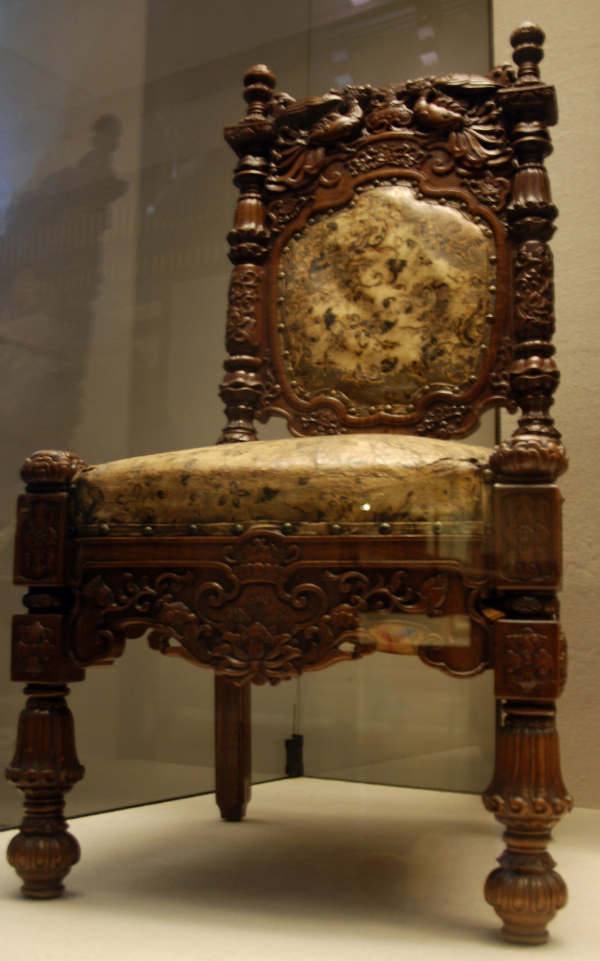 Asian furniture wikipedia for Chinese furniture