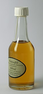 Walnut oil made from roasted nuts