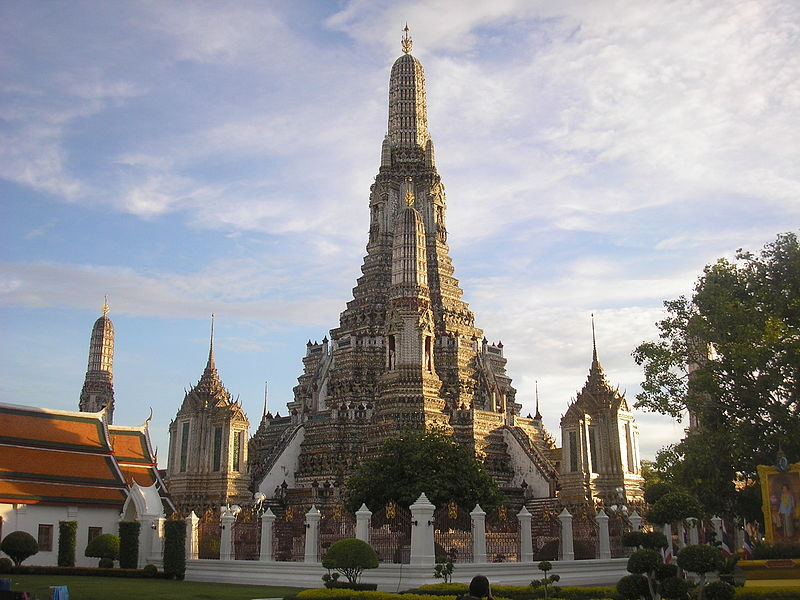 File:Wat Arun Bangkok Thailand.JPG
