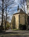 Werl, denkmalgeschützte alte Wallfahrtskirche, Rückansicht mit Zugang zum Außenbereich.JPG