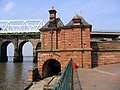Widnes transporter bridge power house 1.jpg