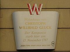 Gedenktafel am Wohn- und Sterbehaus Glucks in der Wiedner Hauptstraße Nr. 32, Wien (IV.Bezirk) (Quelle: Wikimedia)