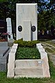 Wiener Zentralfriedhof - Gruppe 12 E - Fritz Lach - 1.jpg