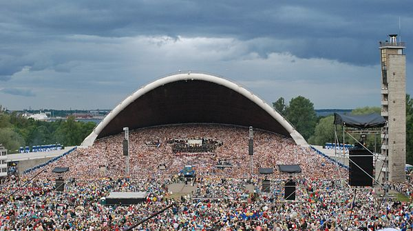 A choir of more than 30,000 participants performing to an audience of 80,000 in the 25th Estonian Song Festival XXV laulupidu (3).jpg