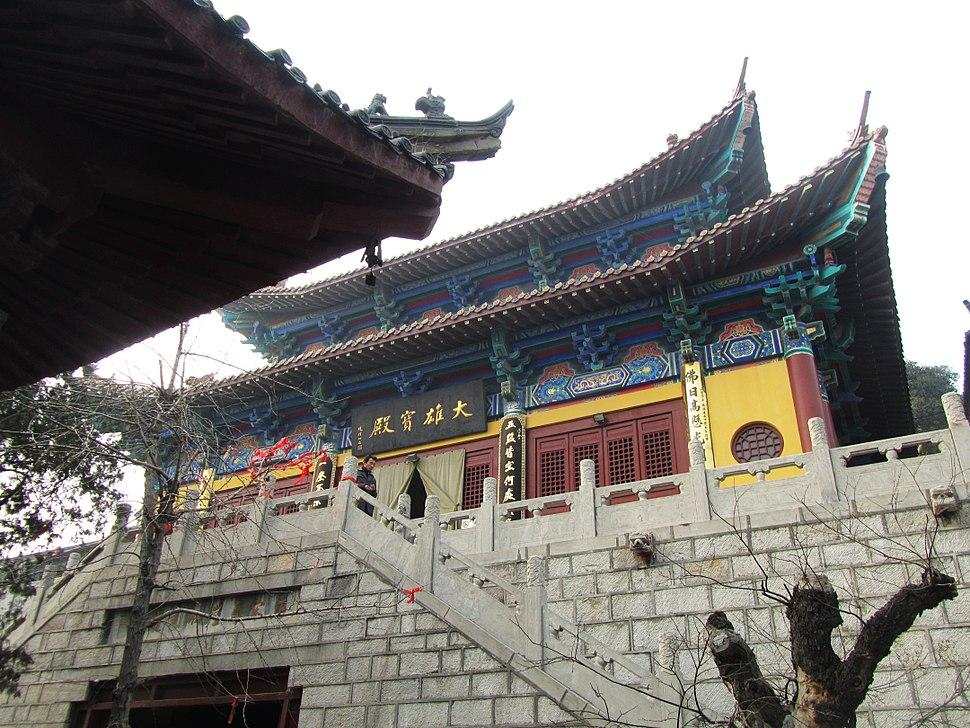 Xinghua Temple in Xuzhou 09 2013-01