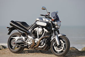 Yamaha MT-01 - 2006 model - front right.jpg