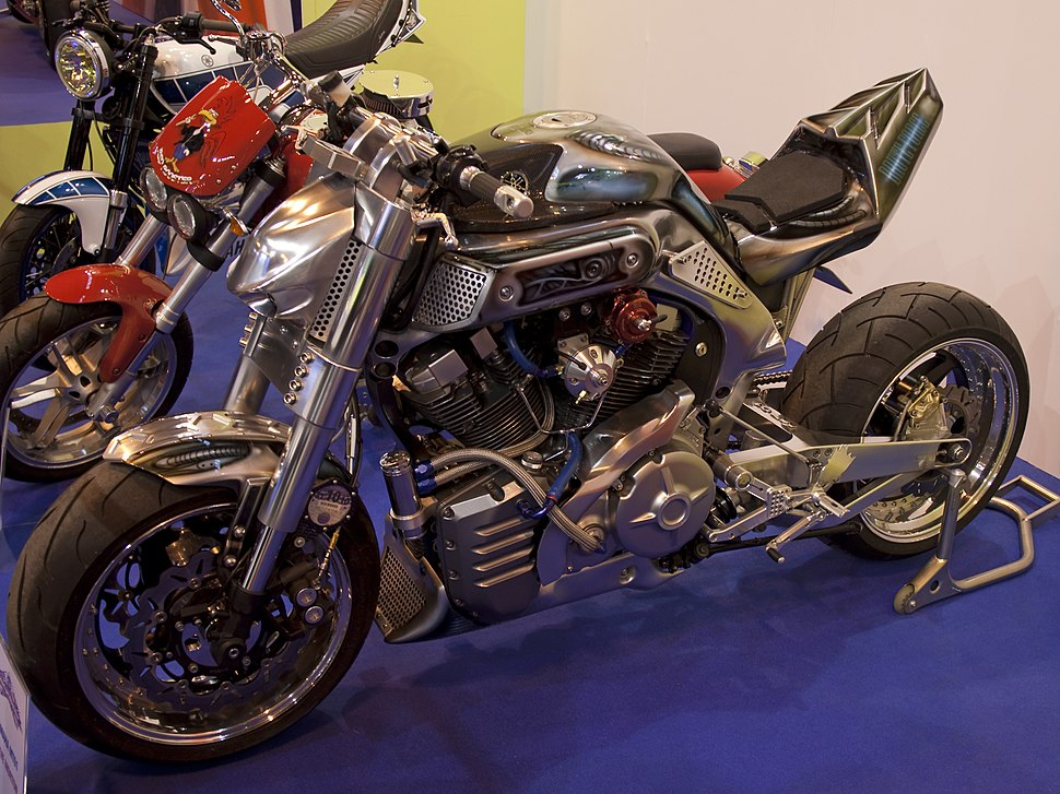 Yamaha MT-01 - Howling Pixel
