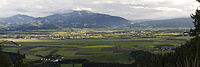 Zeltweg und Umgebung von Norden Panorama.jpg