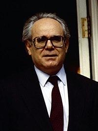 (Carlos Collado) Felipe González recibe al presidente de la Región de Murcia. Pool Moncloa. 11 de marzo de 1991 (cropped).jpeg