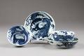 Östasiatisk keramik. Två koppar med fat - Hallwylska museet - 95646.tif