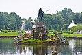 """Петергоф. Пруд с фонтаном """"Нептун"""", барельефами и фонтанными статуями (1). 2011-08-16.jpg"""