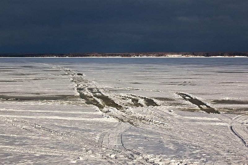 File:Следы по морю (2013.03.17) - panoramio.jpg