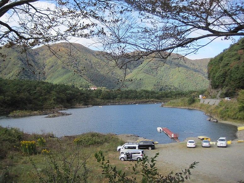 精進湖 - panoramio