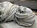 010 Tomba del dr. Farreras i Framis, escultura de Rossend Nobas.jpg