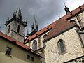 088 Església de la Mare de Déu de Týn, façana sud i torres.jpg