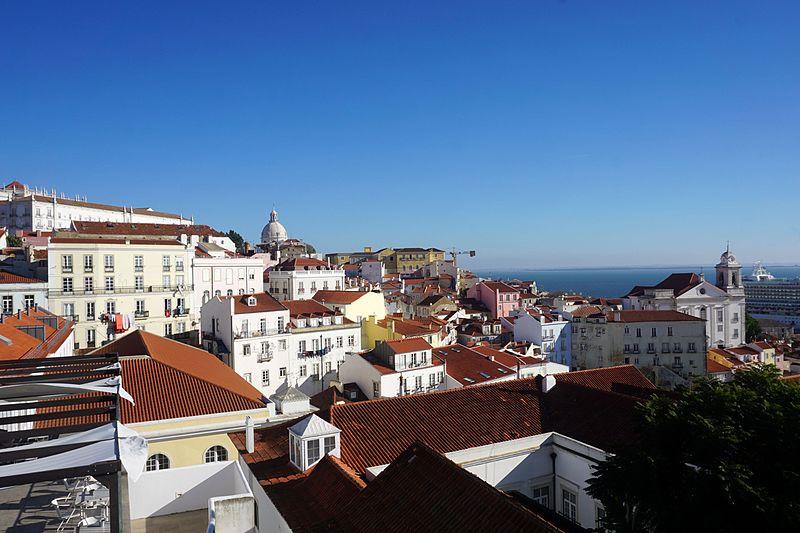 File:12 2016 Miradouro das Portas do Sol Lisbon 9699.jpg