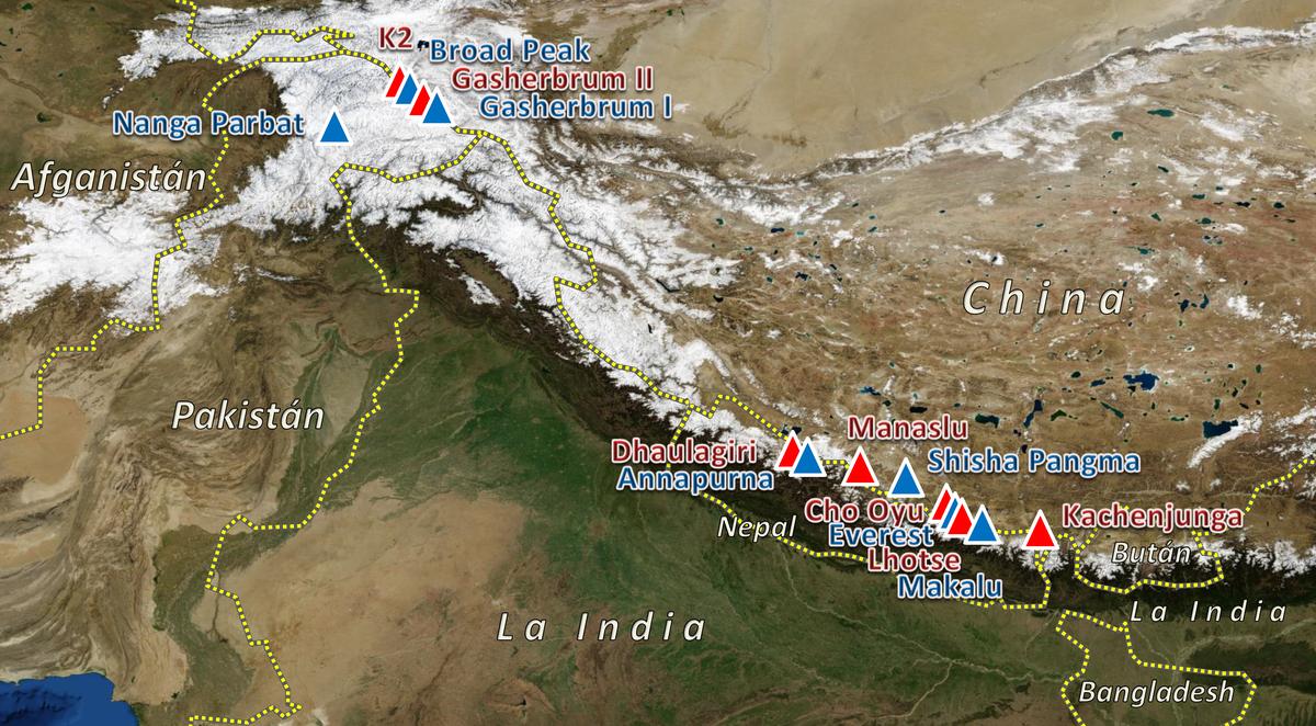 Localización de los catorce ochomiles sobre un mapa físico de Asia.