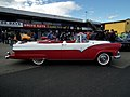 1955 Ford Fairlane Sunliner convertible (7708034838).jpg