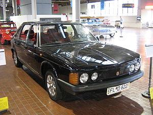 Tatra 613 - Image: 1976Tatra T 613