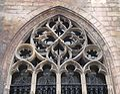 2016-Maastricht, St-Servaasbasiliek, Pandhof, noordelijke kloostergang, raam 6a.jpg
