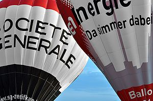 English: Two hot-air balloons from Societe Gen...
