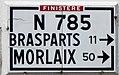 525 Panneau routier Pleyben.jpg