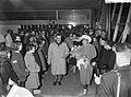 Aankomst van Sjoukje Dijkstra en Joan Haanappel op Schiphol uit Amerika, aankoms, Bestanddeelnr 910-1925.jpg