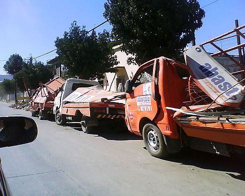 Abastible gas distributor cars destroyed by the earthquakes. Image: Diego Grez.