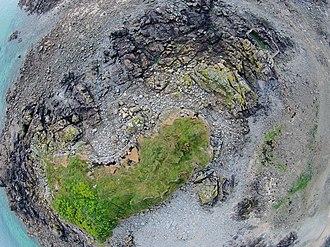 La Motte, Jersey - Image: Aerial photo of La Motte tidal island, Jersey