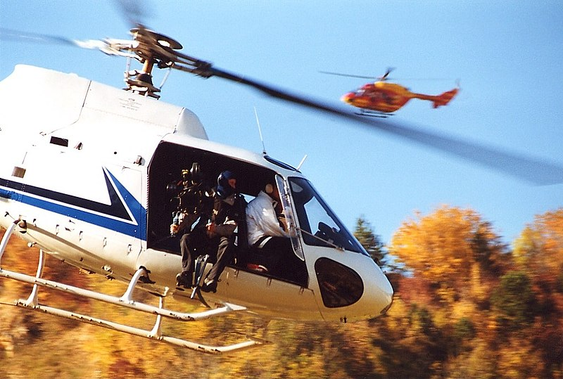 Датотека:Aerospatiale AS-350B-1 Ecureuil, HTM - Helicopter Travel Munich AN0224775.jpg