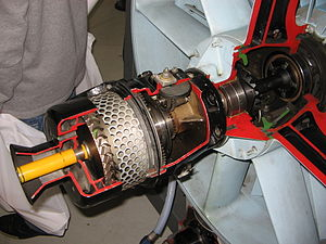 Aircraft engine starting - Cutaway view of an air-start motor of a General Electric J79 turbojet