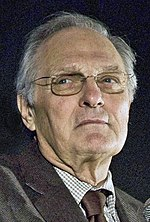 Alan Alda by Bridget Laudien (cropped).jpg