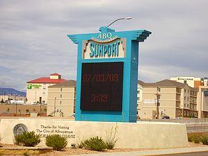 Albuquerque International Sunport - Image: Albuquerque Sunportentrance
