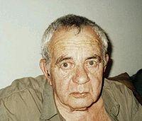 Amos Kenan, November 2000.JPG