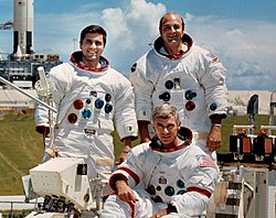 משמאל לימין: שמיט, סרנן (יושב) ואוונס