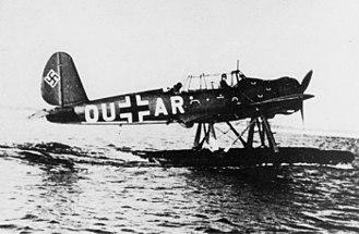 Arado Ar 196 - Image: Arado Ar 196A 2 taxiing 1940