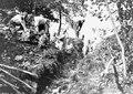 Arbeit am Schützengraben - CH-BAR - 3240110.tif