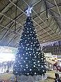 Arbol de Navidad y Nacimiento en Terminal Central de Autobuses CAPU Puebla 03.jpg