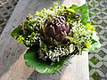 Artischocke in Blumenstrauß.JPG