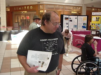 Astronomer Alan Hale at the Cosmic Carnival, Sept. 2005