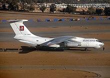 Ilyushin Il-76TD dell'Atlant-Soyuz Airlines nella storica livrea.