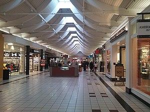 Auburn Mall (Massachusetts) - Inside the Auburn Mall