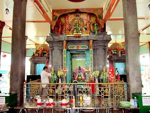 Bàn thờ Bà Ấn