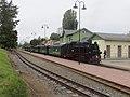 Bahnhof Moritzburg, 99 1761-8 mit Zug (5) Aufenthalt.jpg