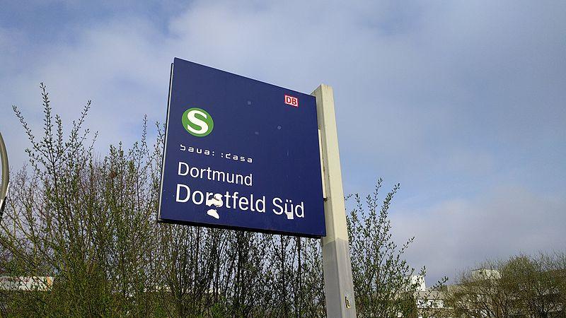 File:Bahnhofsschild Dortmund Dorstfeld Süd 20170326.jpg