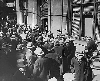 Bank run - Bank run during the Great Depression in the United States, February 1933.