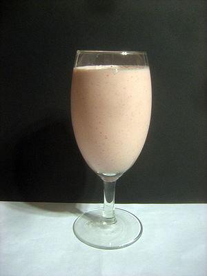 Low-Fat Strawberry-Banana Yogurt Smoothie 1 cu...