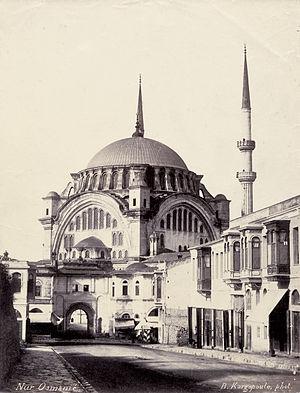 Nuruosmaniye Mosque - Image: Basile Kargopoulo Constantinople 1870s 01
