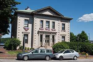 United States Customhouse and Post Office (Bath, Maine) - Image: Bath downtown 09.07.2012 14 52 35